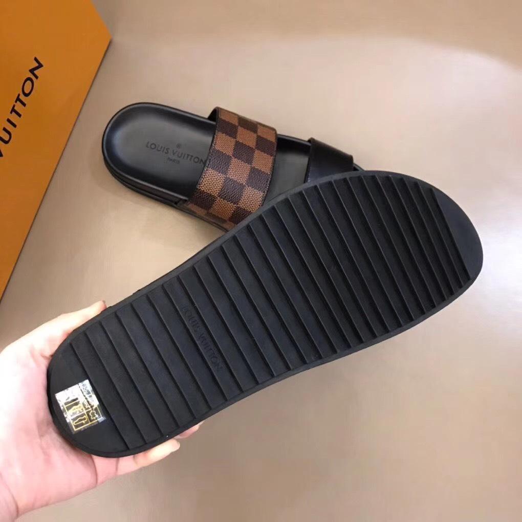 Dép Louis Vuitton nam siêu cấp hai quai trơn caro nâu DLV06