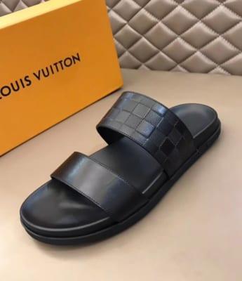 Dép Louis Vuitton nam siêu cấp hai quai trơn hoạ tiết nổi DLV16