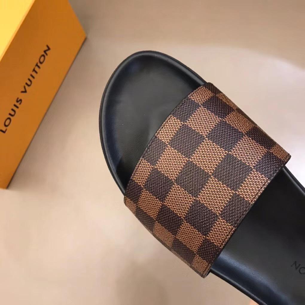 Dép Louis Vuitton nam siêu cấp quai ngang caro nâu DLV09