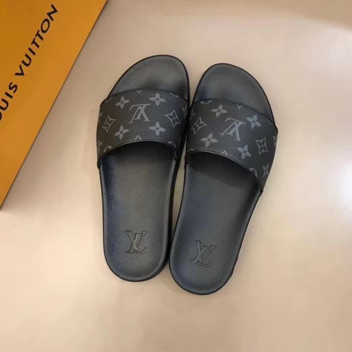 Dép Louis Vuitton nam like auth quai ngang hoa ghi đen DLV29