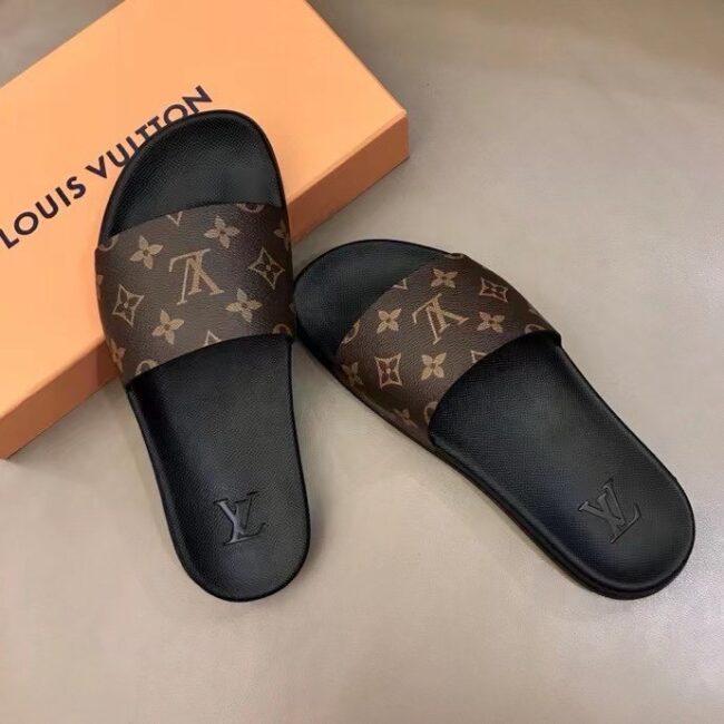 Dép Louis Vuitton nam like au quai ngang hoa nâu DLV24