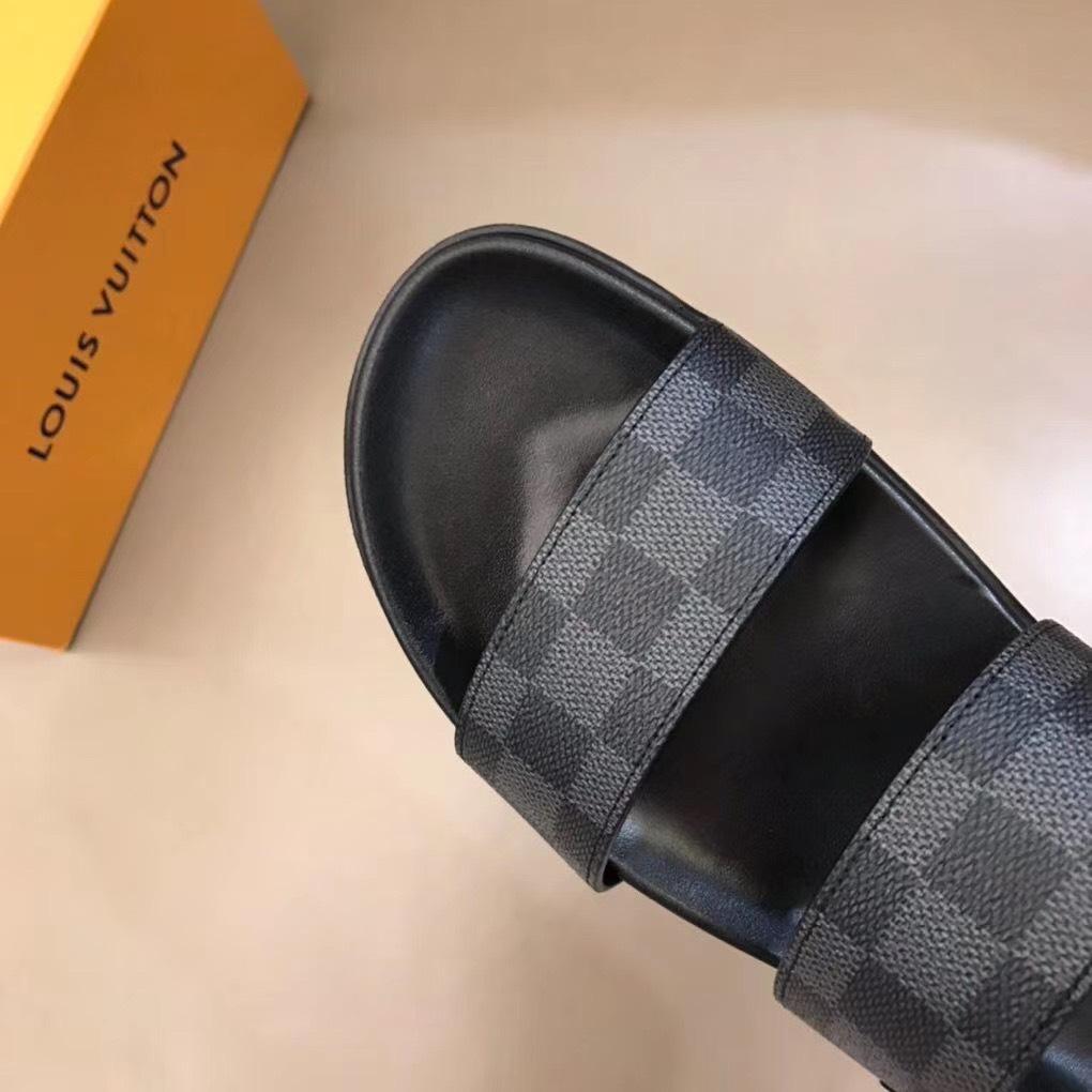 Dép Louis Vuitton nam siêu cấp sandal caro ghi đen DLV03