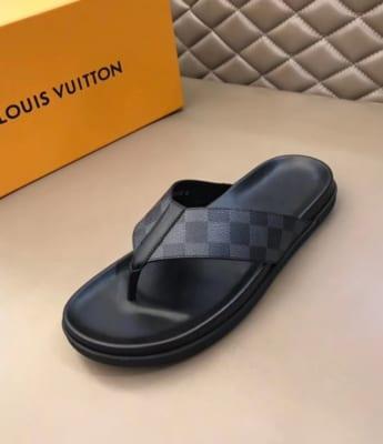 Dép Louis Vuitton nam siêu cấp xỏ ngón caro ghi đen DLV05