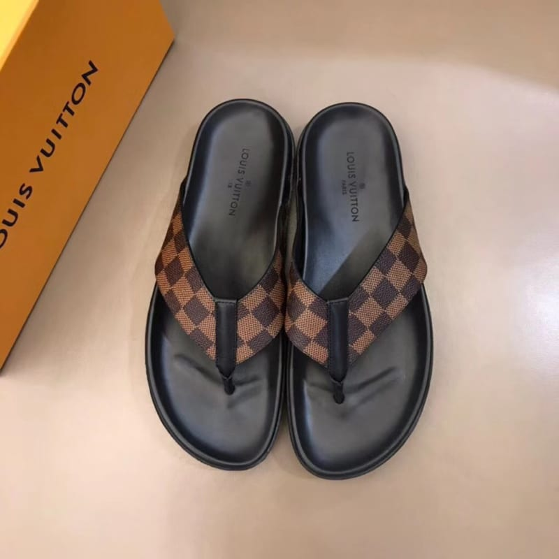 Dép Louis Vuitton nam siêu cấp xỏ ngón caro nâu DLV10