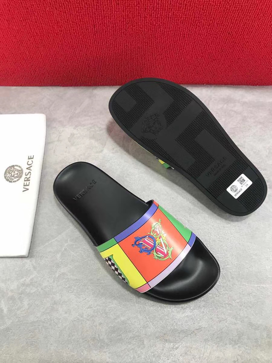 Dép Versace nam siêu cấp đế đen quai hoạ tiết chữ V DVS01