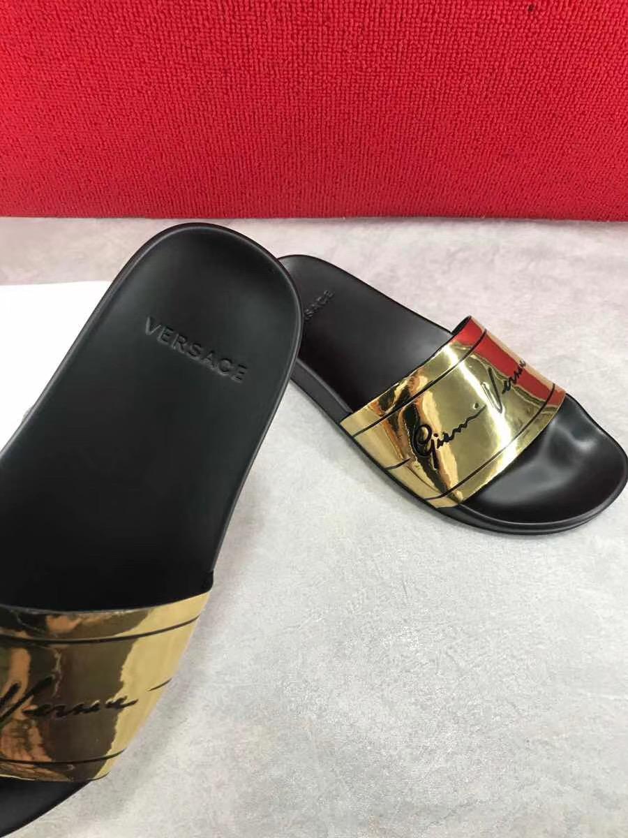Dép Versace nam siêu cấp hoạ tiết GV Signature DVS05