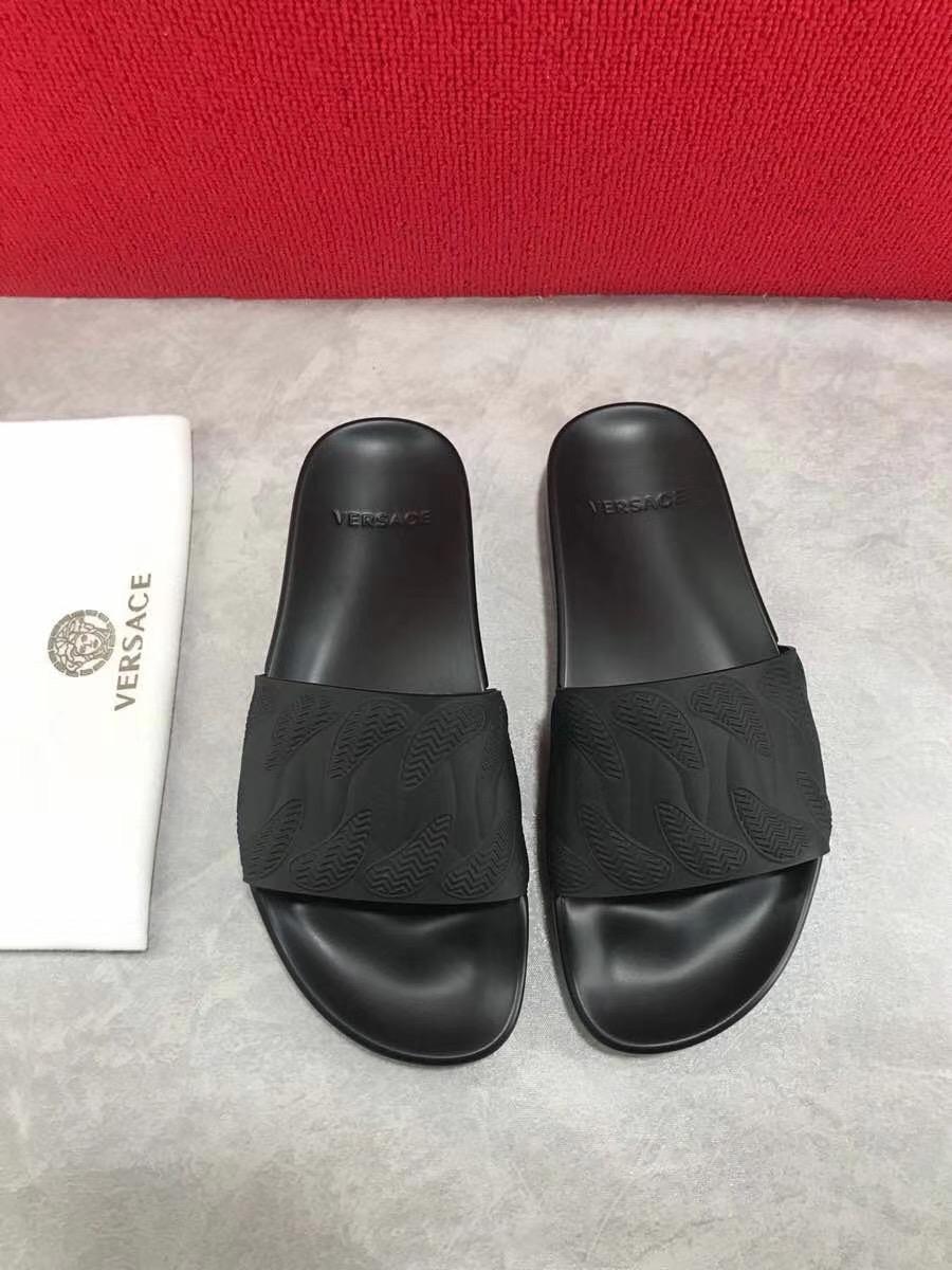 Dép Versace nam siêu cấp màu đen hoạ tiết dập nổi DVS07