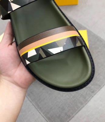 Dép Fendi nam siêu cấp quai hậu xanh hoạ tiết mắt cáo trắng DFD10