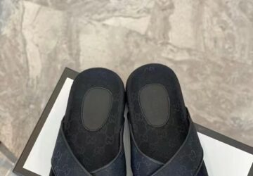 Dép nam Gucci siêu cấp quai chéo họa tiết full logo màu đen DGC54