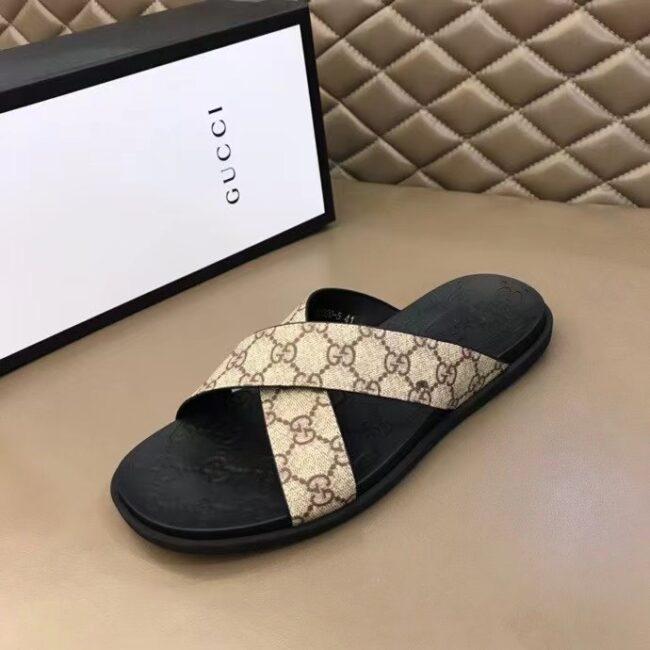 Dép nam Gucci siêu cấp quai chéo họa tiết logo màu trắng sữa DGC55