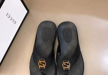 Dép nam Gucci siêu cấp xỏ ngón họa tiết khóa logo màu vàng DGC44