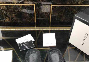 Dép nam Gucci siêu cấp xỏ ngón họa tiết logo full đen DGC42