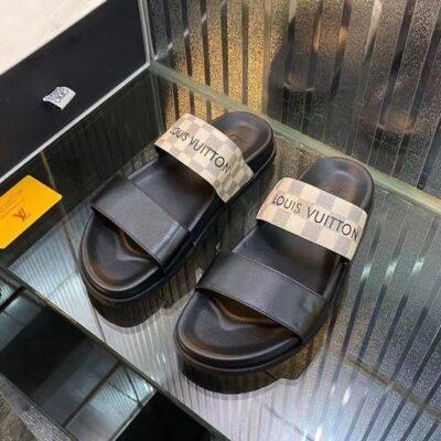 Dép Louis Vuitton nam siêu cấp hai quai họa tiết caro chữ đen DLV83