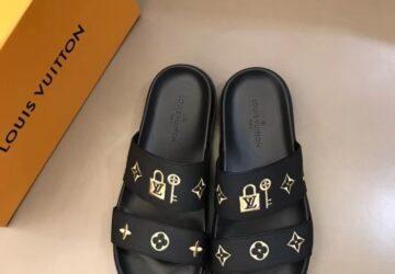 Dép Louis Vuitton nam siêu cấp hai quai màu đen hình khóa logo vàng DLV79