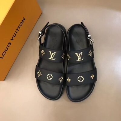 Dép LV nam siêu cấp quai hậu màu đen họa tiết logo vàng DLV91