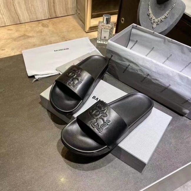 Dép nam Balenciaga siêu cấp họa tiết hình cún màu đen DBL14