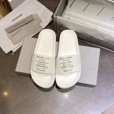 Dép nam Balenciaga siêu cấp màu trắng họa tiết chữ đen DBL08