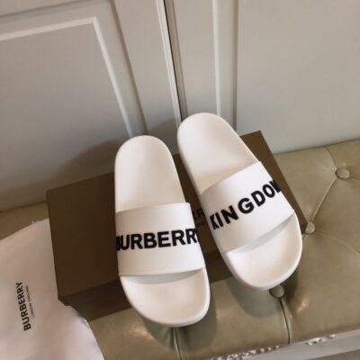 Dép nam Burberry siêu cấp màu trắng họa tiết chữ đen DBB10