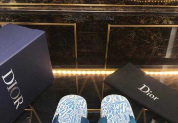 Dép nam Dior siêu cấp xỏ ngón họa tiết quai xanh logo trắng DDR25