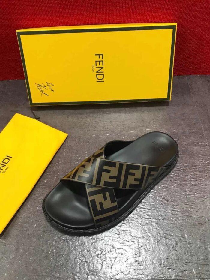 Dép nam Fendi siêu cấp quai chéo màu vàng đen DFD21