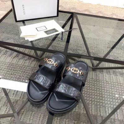 Dép nam Gucci siêu cấp hai quai họa tiết logo chìm khóa nhỏ DGC66
