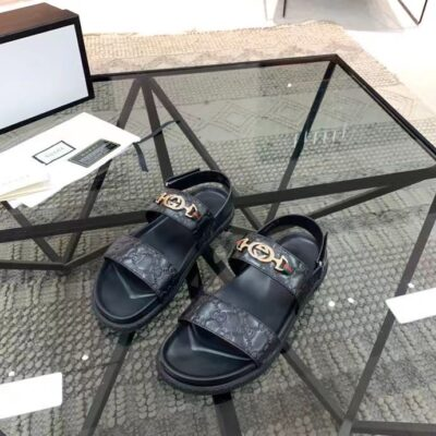 Dép nam Gucci siêu cấp quai hậu họa tiết tag xích vàng DGC63