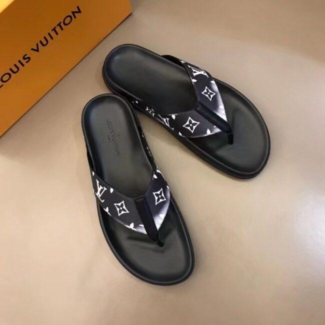 Dép nam Louis Vuitton siêu cấp xỏ ngón màu đen hoa trắng DLV62