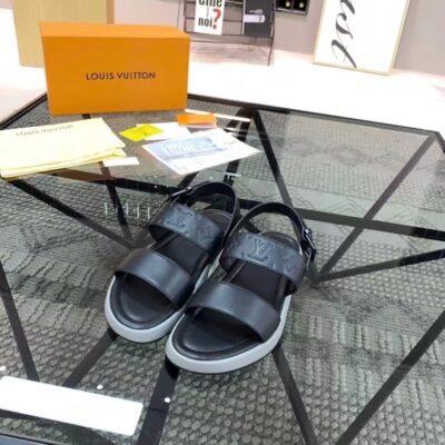 Dép nam LV siêu cấp sandal màu đen hoa dập chìm DLV87