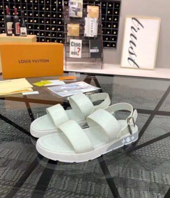 Dép nam LV siêu cấp sandal màu trắng họa tiết hoa dập DLV86