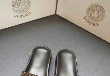 Dép nam Versace siêu cấp màu đen quai đính đá mặt logo DVS21