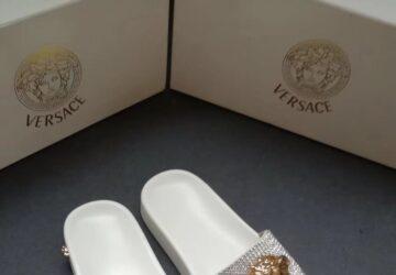 Dép nam Versace siêu cấp màu trắng quai đính đá mặt logo DVS20